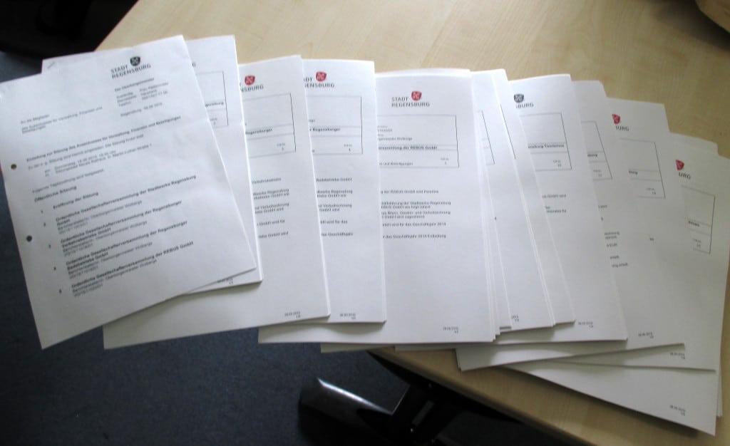 Ein gutes Kilo Papier: Die Unterlage für den nächsten Verwaltungsausschuss am kommenden Donnerstag.