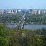 Blick von der City Kiew über den Dnjepr nach Darnitzki. Foto: Cherubino/ Wikimedia Commons