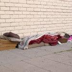 """""""Die Würde des Menschen ist unantastbar.""""  Auf Artikel 1 Absatz 1 stützen die Gerichte das Recht von Obdachlosen auf Unterbringung. Foto:"""