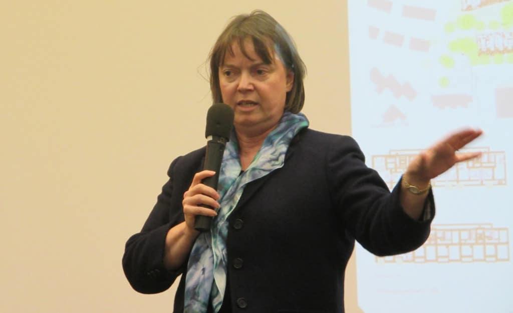 Weiß nicht, ob es eine Statistik über Leerstände gibt: Planungsreferentin Christine Schimpfermann. Foto: Archiv/ as