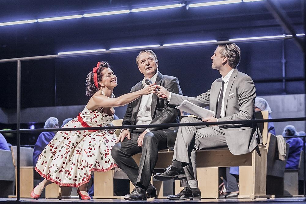 Romantische Oper mit Showmaster. Foto: Jochen Quast, Theater Regensburg.