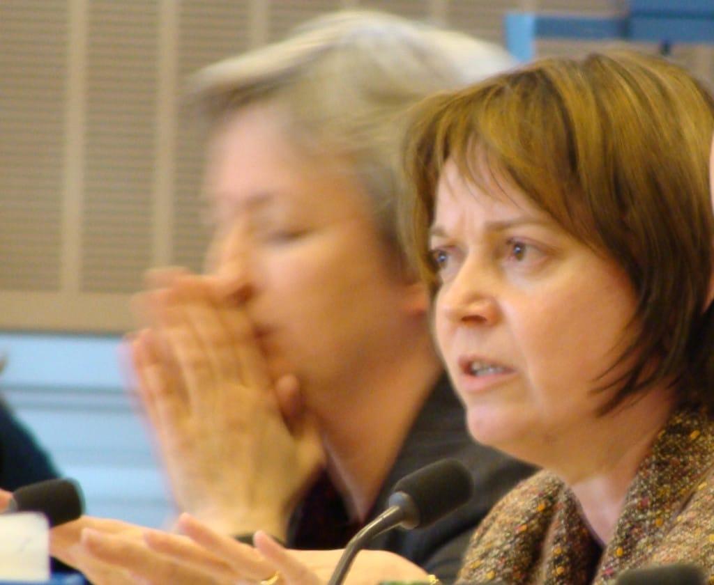 Innerhalb der Koalition stehen sie in der Kritik: Planungsamtschefin Ute Hick Weber und ihre Vorgesetzte, Planungsreferentin Christine Schimpfermann (re.). Foto: Archiv/ as