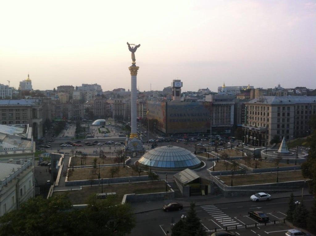 Blick auf den Maidan und das Unabhängigkeitsdenkmal in Kiew. Foto: as