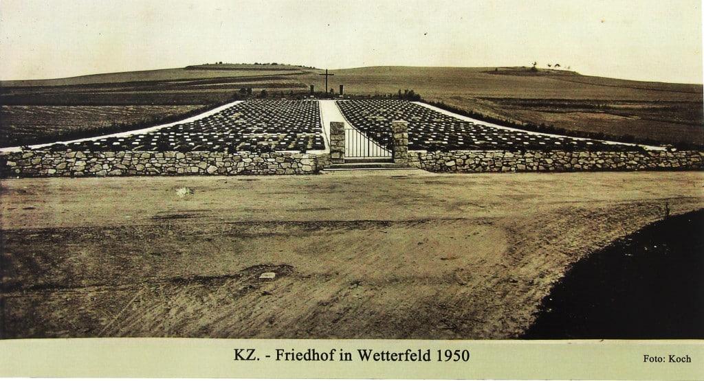 Der KZ-Friedhof Wetterfeld 1950. Foto: Werner aus Ausstellung Dieß 2015