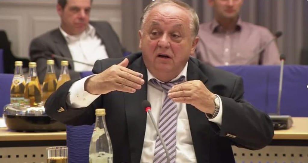 """""""Sie sind doch die Hauptagiteure dagegen."""" SPD-Fraktionschef Hartl Foto: Stadt Regensburg"""