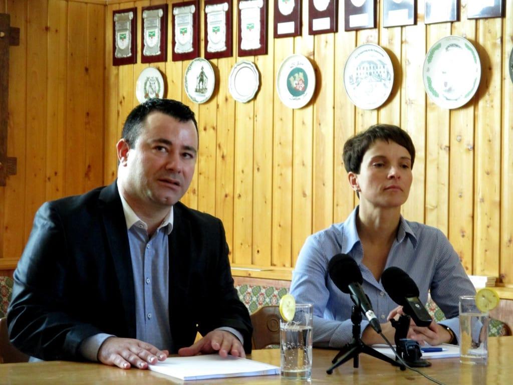 Vor knapp zwei Wochen trat Bora Ataman gemeinsam mit AfD-Chefin Frauke Petry auf. Foto: as