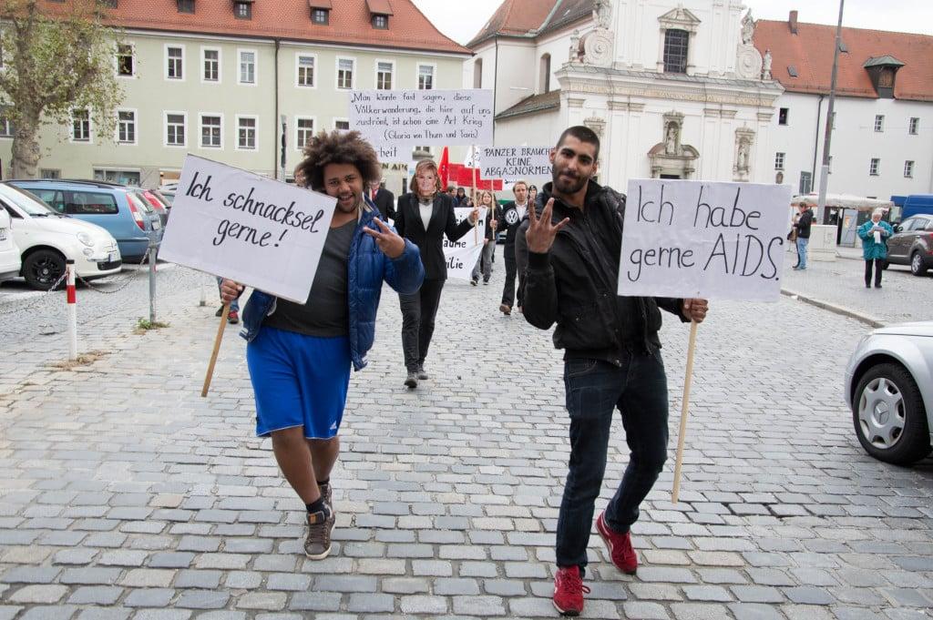 """""""Der Schwarze schnackselt gern."""" Remineszenz an Weisheiten von Durchlacht. Fotos: pm"""