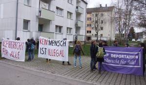 Auch vor der Unterkunft in der Plattlinger Straße wurde demonstriert.
