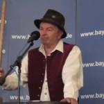 Fritz Zirngibl als Redner beim Gillamoos in Abensberg 2015.  Foto: Bayernpartei