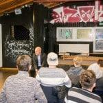 Anstrengender Termin für OB Wolbergs. Bei der Diskussion im Jugendtreff ging es vor allem um Befürchtungen und Vorurteile gegenüber Flüchtlingen. Foto: Witzgall