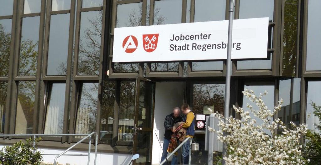 Gerät häufiger wegen fragwürdiger Entscheidungen in die Kritik: das Jobcenter Regensburg.