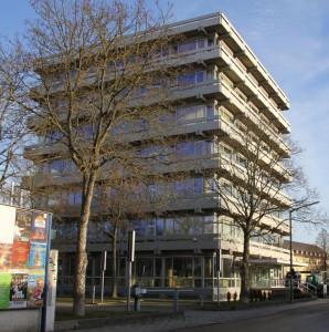 """Aus dem einstigen """"Urmann-Tower"""" soll ein Flüchtlingsheim werden. Foto: Archiv"""