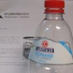 Nur ein Mineralwasser konnte die Werte erfüllen, die in einer Ausschreibung des Studentenwerks gefordert wurden. Foto: as