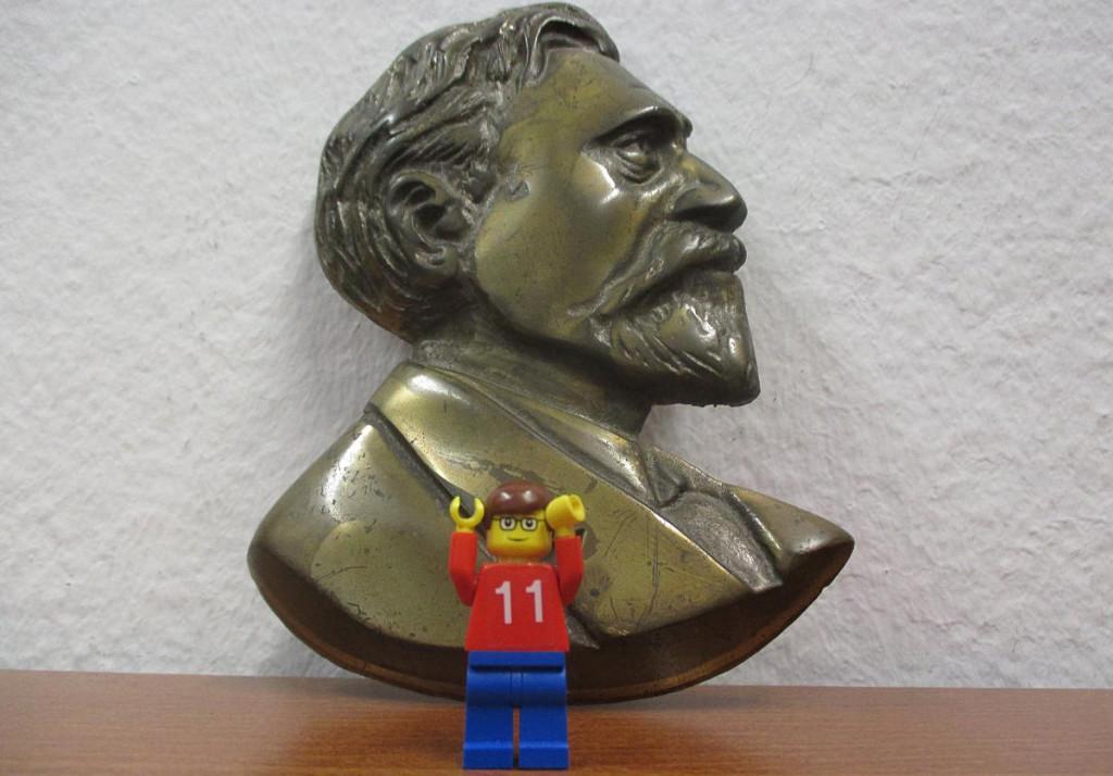 Kündigt einen innovativen Wahlkampf an: Tobias Hammerl (hier in der von ihm selbst designten Lego-Variante). Foto: as