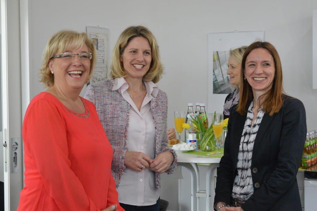 Sylvia Stierstorfer, Astrid freudenstein und Kriminalhauptkommissarin Barbara Arendt