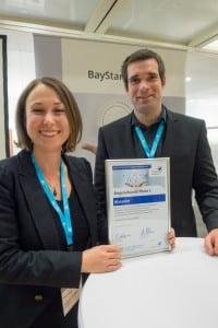 """Das Siegerteam """"Wavesim"""": Waltraud Mühlbauer und Vincent Galioit Bildnachweis: BayStartUP"""