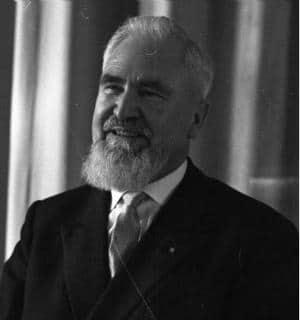 Hob das Züchtigungsverbot wieder auf: Alois Hundhammer Foto: Bundesarchiv