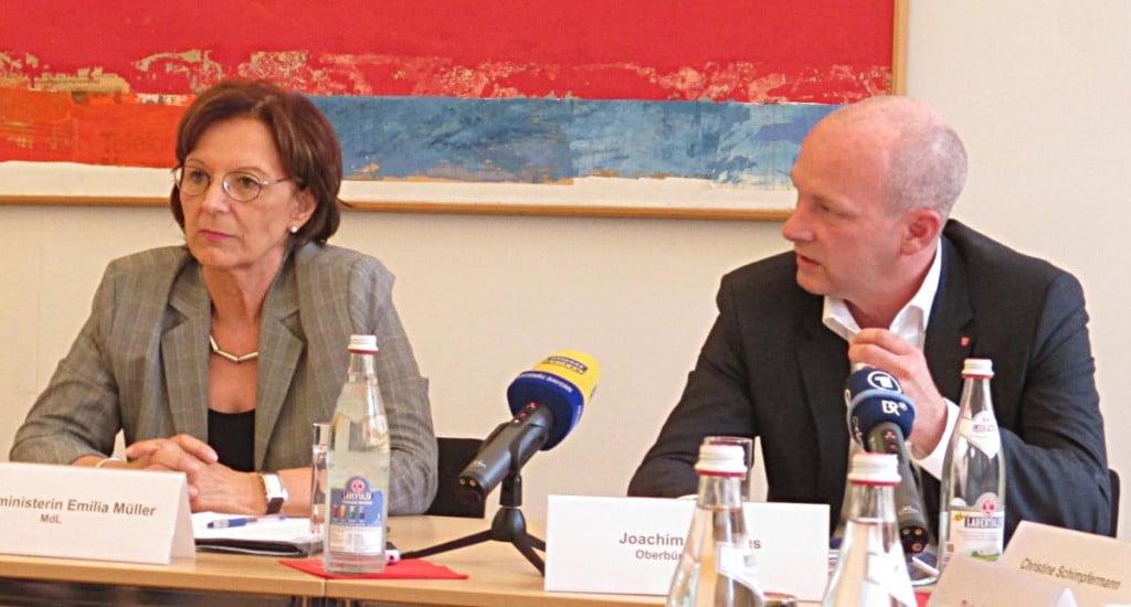 Joachim Wolbergs will sich angesichts der aktuellen Wortmeldung der CSU an Staatsministerin Müller wenden. Foto: Archiv/ as