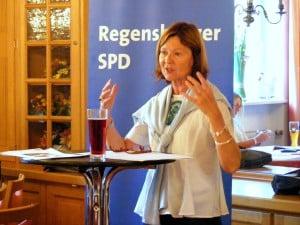 """""""Geschock"""": die Parteivorsitzende Margit Wild, MdL. Foto: Archiv/ om"""