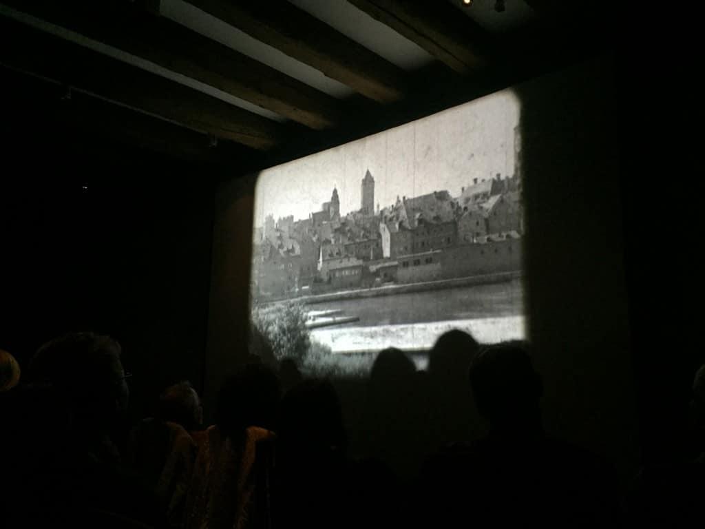 """Am Freitagabend gastierte die Stummfilmwoche im Leeren Beutel. Als Vorfilm wurde """"Dallying on the Danube"""" von 1931 gezeigt. Bild: ld."""