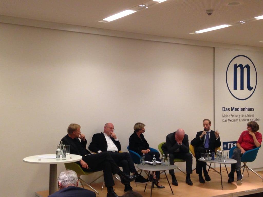 Bei der ersten Theater-Diskussion: Ein genervter OB. Foto: om