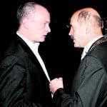 Der eine schloss einen umstrittenen Vertrag, der andere hat jetzt die Klage am Hals: Hans Schaidinger und Joachim Wolbergs. Foto: Archiv