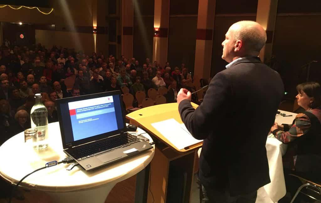 Großes Interesse: Der Festsaal des Kolpinghauses war am Montag fast voll. Foto: as