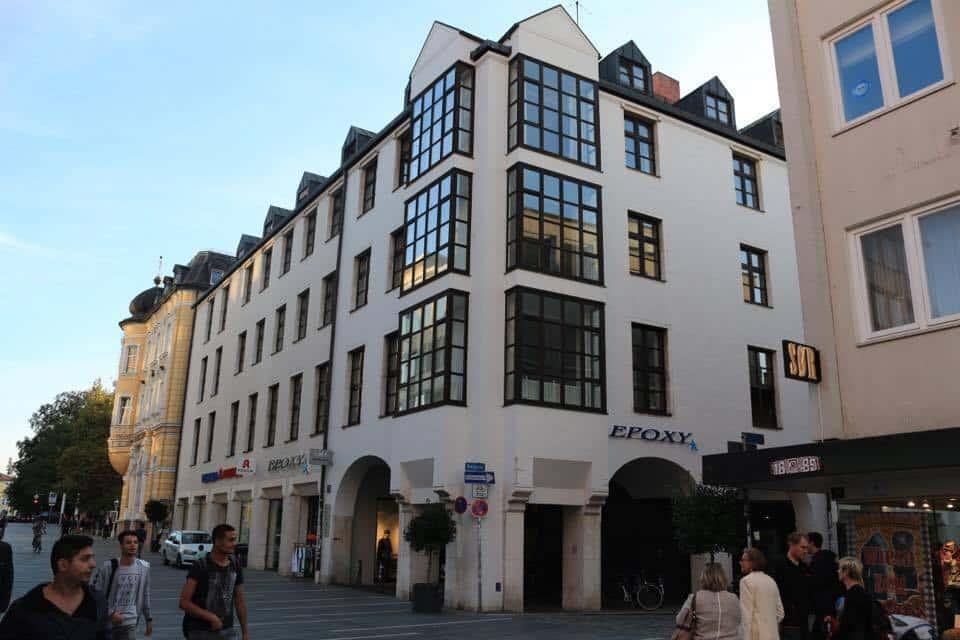 """14 Millionen-Ankauf ohne Vorprüfung: das """"Hotel auf Vorrat"""" in der Maxstraße."""