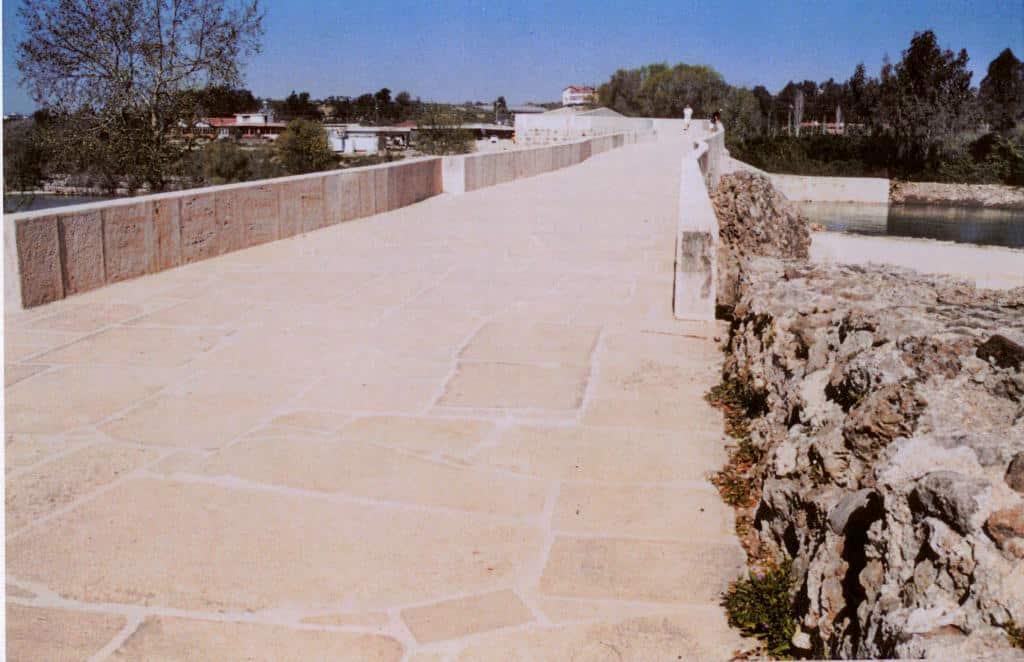 """Das Pflaster der """"Eurymedonbrücke"""". Foto: Archiv/ as"""
