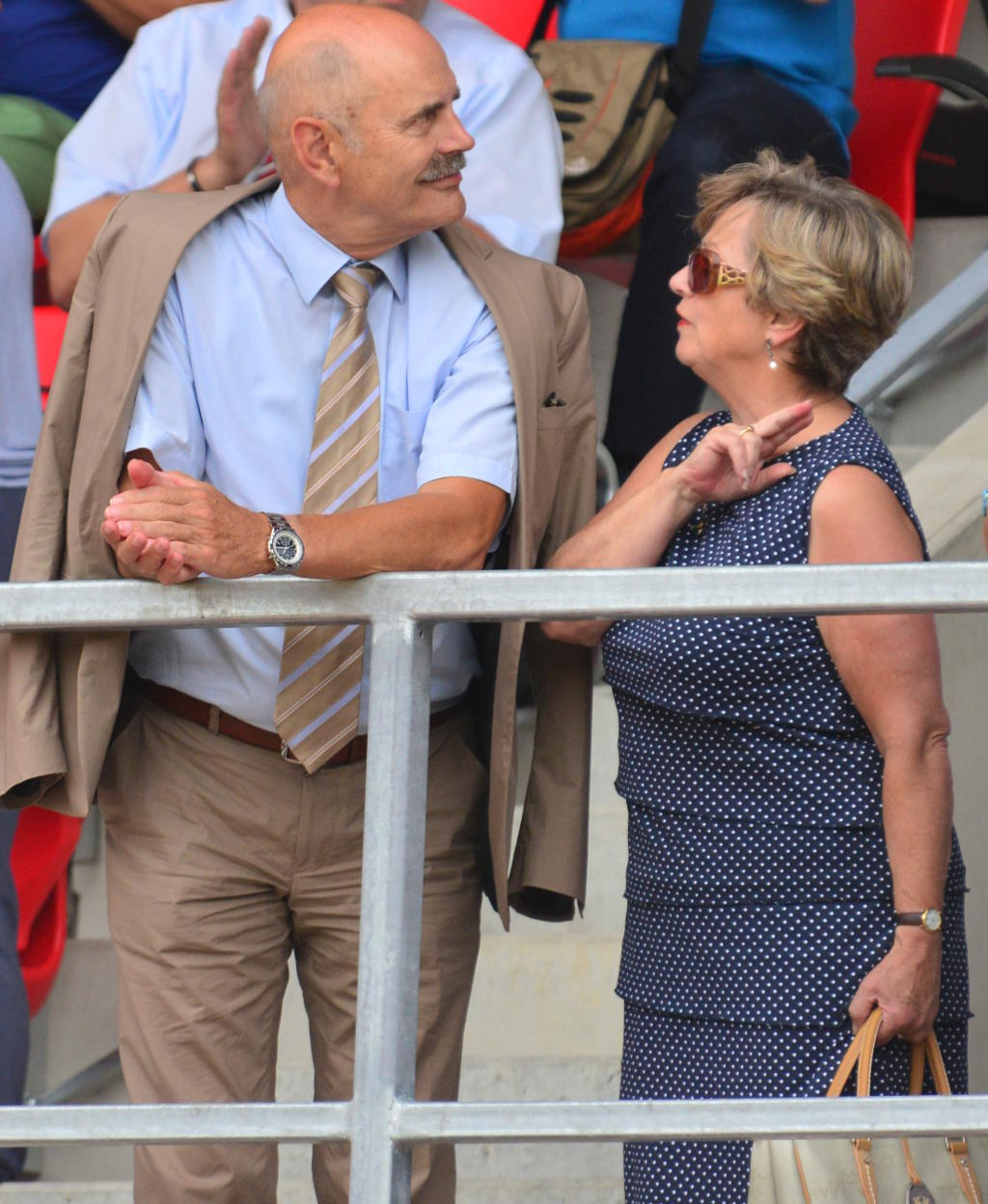 Hans Schaidinger besucht mit Gattin Edelkgard das eigene Vermächtnis: Eröffnungsfeier in der Continentalarena. Foto: Staudinger