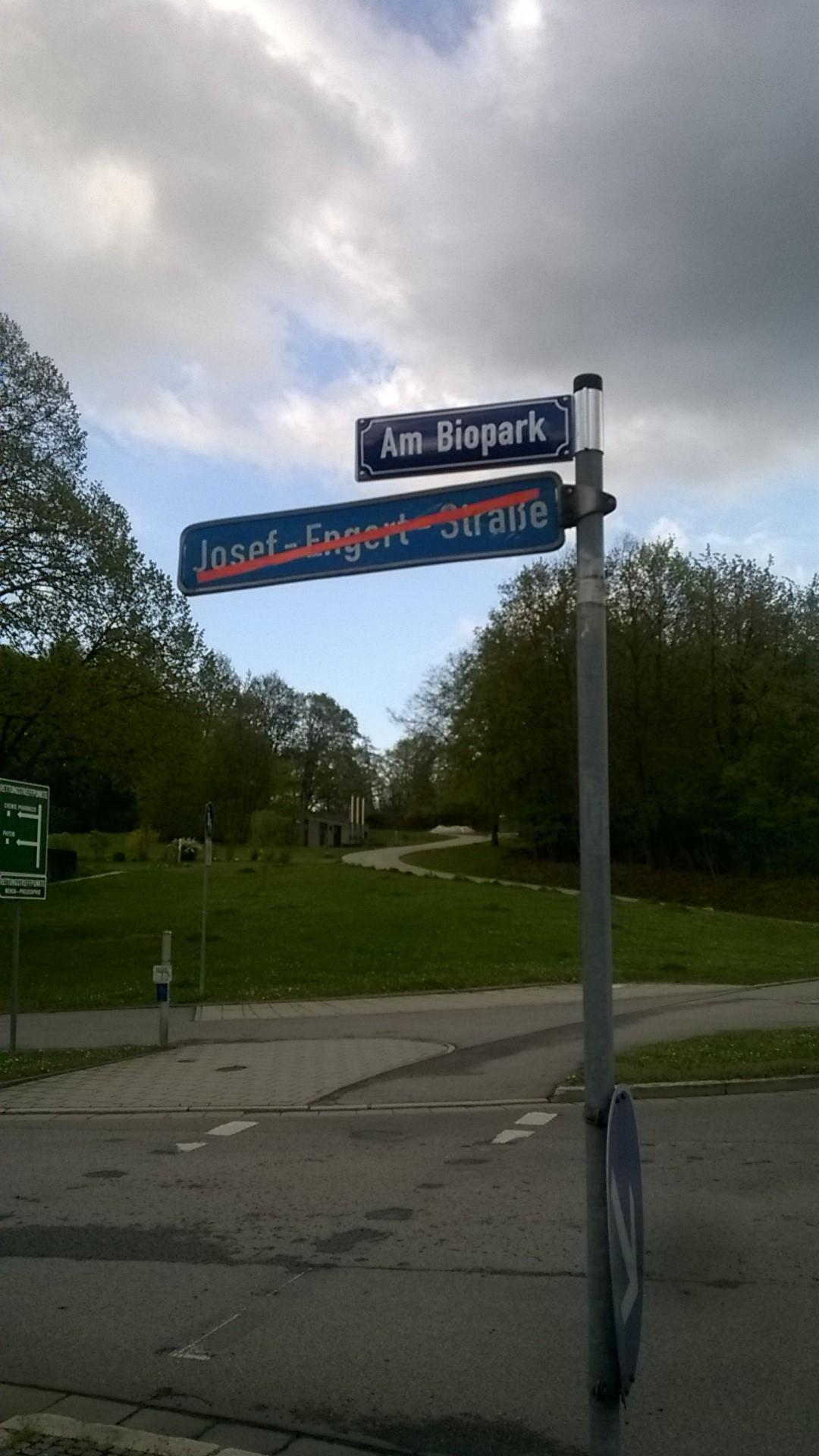 Nach Recherchen von regensburg-digital umbenannt: die Josef-Engert-Straße. Foto: Werner