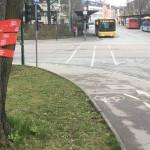 """""""Stadtraum gestalten"""": Der Bereich rund um den Bahnhof ist derzeit mit entsprechend beschrifteten Absperrbändern verziert."""