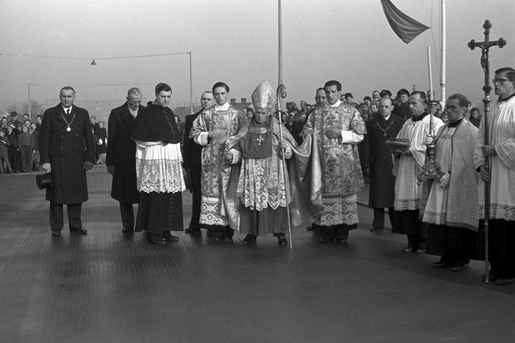 Michael Buchberger bei der Einweihung der Nibelungenbrücke 1950. Foto: Stadt Regensburg