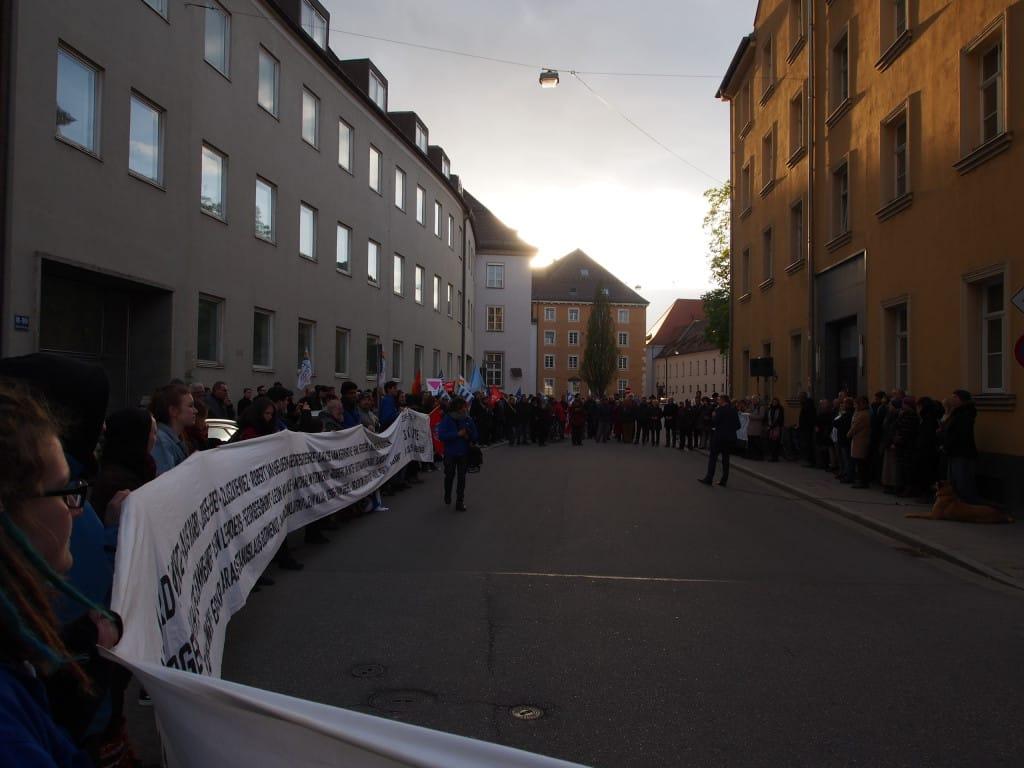 Station im Minoritenweg bei der Gedenktafel für den ermordeten Zeugen Jehovas, Wolfgang Waller. Foto: Werner