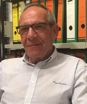 """Werner Hinreiner: """"Die städtische Tochter greift zu Mitteln, die von raffgierigen Investoren und Miethaien praktiziert werden: Vertreibung von Mietern unter Umgehung des Rechts."""""""