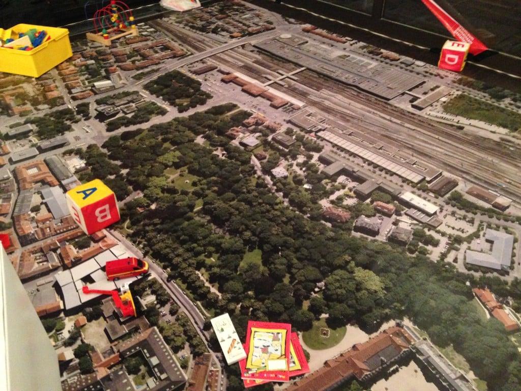 Noch ist das Bahnhofsareal eine Spielwiese. Foto: om