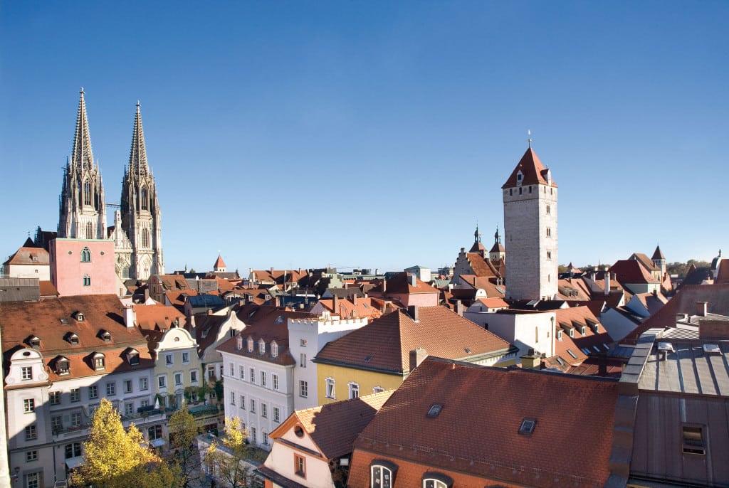Das aktuelle Kursbuch nimmt auch Regensburg in den Blick. Foto: RTG