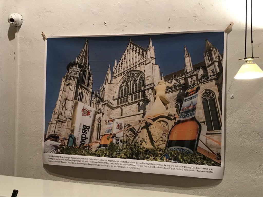 Teil der Ausstellung: Das saufende Bruckmandl. Foto: om
