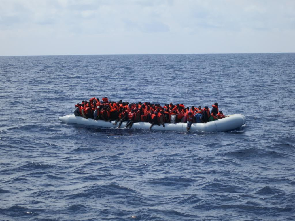 Völlig überfüllte Boote: ein immer häufigerer Anblick.