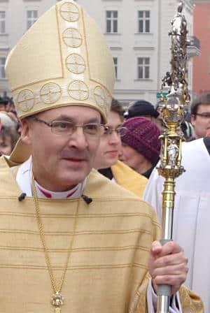 Es ist dennoch der Verdienst von Bischof Rudolf Voderholzer, dass er das Gespräch mit Betroffenen bald gesucht und im April 2015 Foto: Archiv/ Staudinger