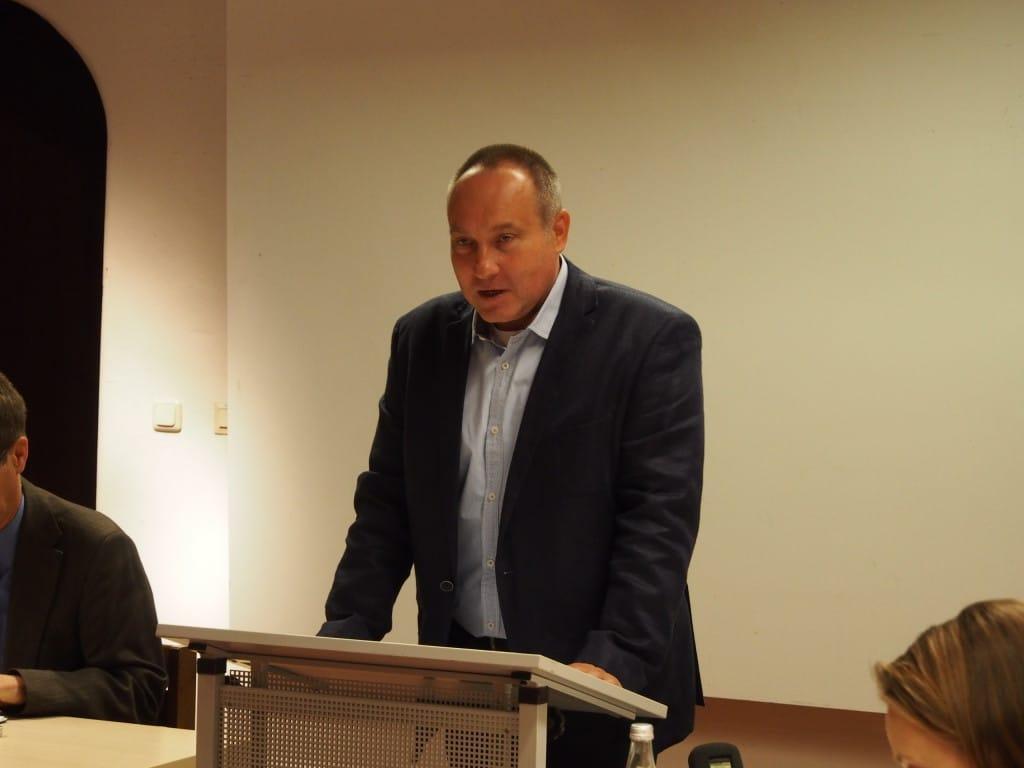 Roman Smolorz bei der Vorstellung seiner Studie, Foto: R. Werner