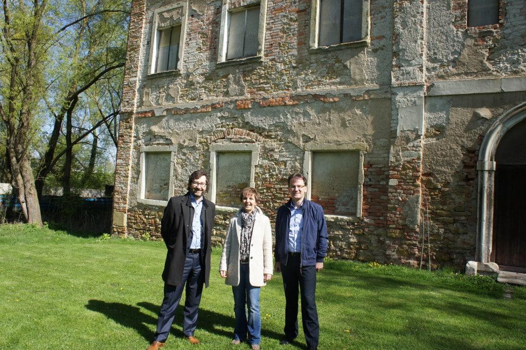 2016: Deas IZ kauf das Schloss Pürkelgut.