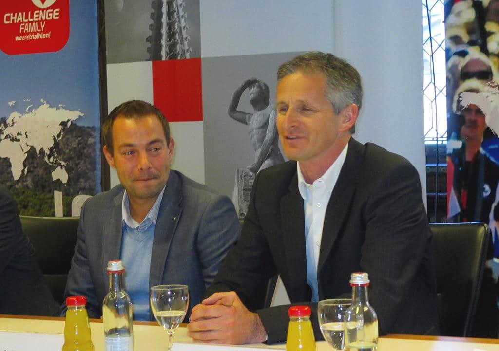 """""""Wenn wir nicht 250.000 Zuschauer bekommen, dann bin ich der Prinz von Zamunda"""", Zibi Szlufcik bei der Pressekonferenz zur Challenge Regensburg im März 2015 (re. neben dem kurz darauf ausgeschiedenem Geschäftsführer Felix Walchshöfer"""