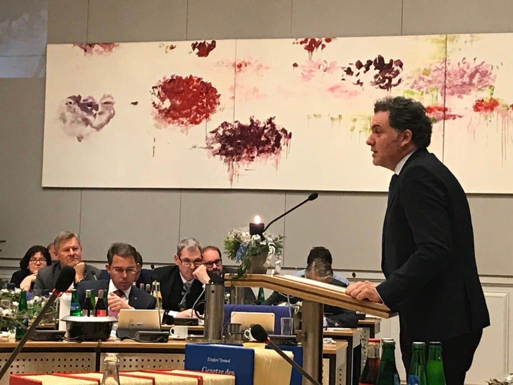 Horst Meterhoher fordert bessere Zusammenarbeit mit dem Landkreis. Foto: om